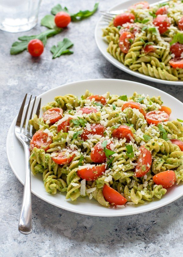 Easy-Avocado-Pesto-Pasta-600x845